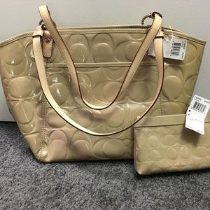 NWT - COACH bag with matching wristlet
